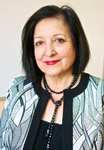 Ведущая курса подготовки к ЕГЭ по английскому Шакира Заировна Умарова